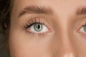 close up of a women's eye